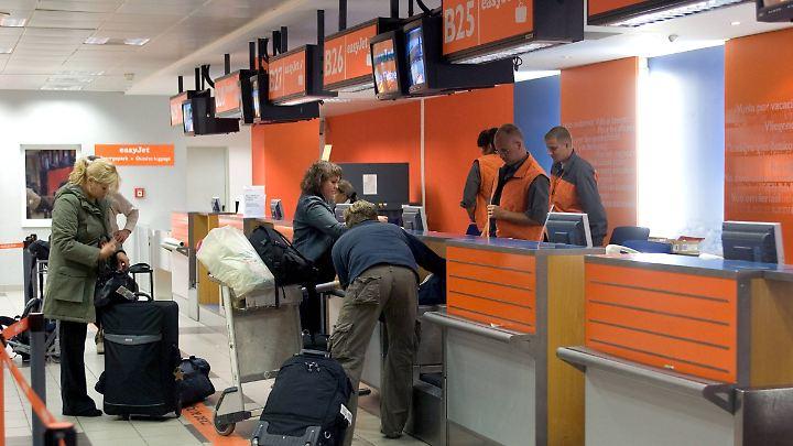 Die günstigen Fluggesellschaften langen bei den Gepäckgebühren ordentlich zu.