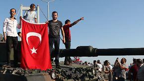 Nach dem Putschversuch: Erdogan-Regierung verfolgt türkische Ex-Nato-Offiziere
