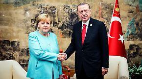 Eine Hand wäscht die andere: Merkel und Erdogan überleben nur gemeinsam