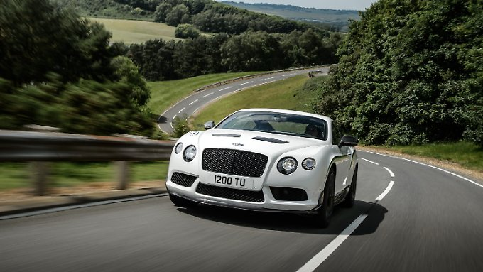 Der Bentley Continental GT3-R ist der dickste unter den Straßenrennwagen.