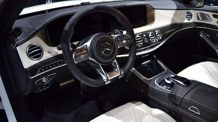 Für den Fahrer präsentiert sich der S 63 AMG auch als Sportwagen.