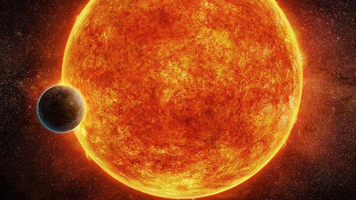 Die Bahn von LHS 1140b ist günstig. Die Supererde wird deshalb bald von der Erde aus gut zu untersuchen sein.