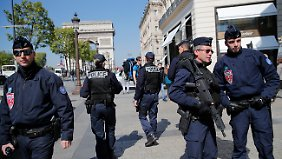Gefundenes Fressen für Le Pen: IS bekennt sich zu Anschlag auf Champs-Élysées in Paris
