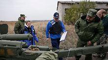 Fahrzeug fährt auf Mine: OSZE-Beobachter in der Ostukraine getötet