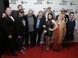 """Gruppenbild mit Burt Reynolds: Regisseur Adam Rifkin stellt auf dem Tribeca-Festival seinen Film """"Dog Years"""" vor."""