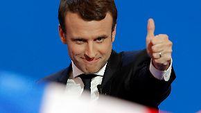 Präsidentschaftswahl in Frankreich: Macron setzt sich in erster Runde gegen Le Pen durch