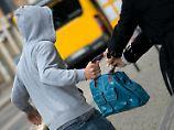 Interview zur Kriminalstatistik: Warum werden viele Zuwanderer straffällig?