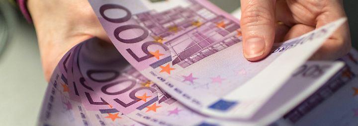 Bei der Geldannahme gilt das Prinzip der Vertragsfreiheit.
