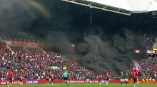 Spielunterbrechung in Holland: Mega-Rauchbombe verletzt 15 Zuschauer