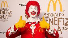 Mit Bringdienst und Bestell-App: McDonald's kämpft um die Burger-Krone