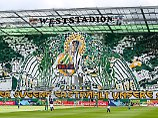 Choreo können sie: Fans des SK Rapid Wien.