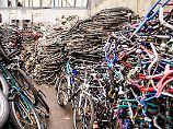 Ermittler heben Hehlerlager aus: Polizei stellt 1500 Fahrräder sicher