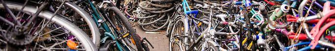 Der Tag: 16:26 Polizei stellt 3500 gestohlene Fahrräder sicher