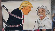 Negativität äußert sich auch immer wieder in Protestmärschen gegen Trump.