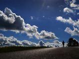 Weißgraue Riesen am Himmel: Wolken bleiben rätselhaft