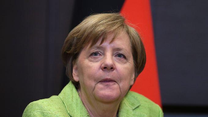 Merkel lässt Schulz in der jüngsten Umfrage klar hinter sich und die SPD gleich dazu.