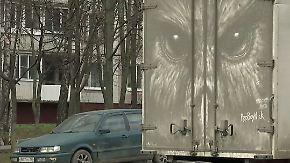 Gemälde aus Dreck: Russe erschafft staubige Straßenkunst