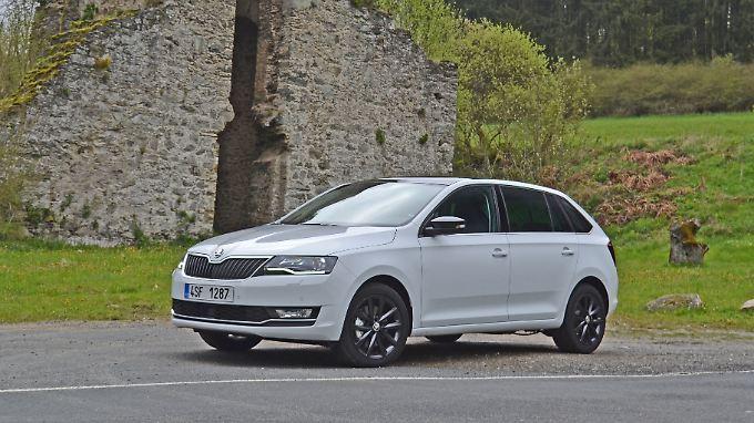 Deutlich verfeinert präsentiert sich der Škoda Rapid Spaceback jetzt unter anderen mit LED-Tagfahrlicht.