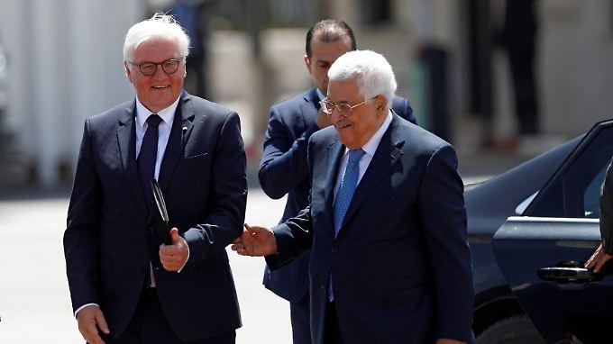 Abbas empfing Steinmeier mit einer Zeremonie in Ramallah.