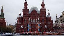 """Putin mahnt gemeinsamen Kampf an: Russland feiert den """"Tag des Sieges"""""""
