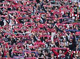 RB Leipzig feiert in Berlin den Einzug in die Champions League - dabei muss darüber noch formell entschieden werden.