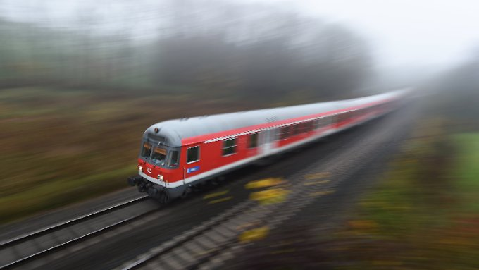Die deutsche Bahn musste mehrere Millionen Zugkilometer an die Konkurrenz abgeben.
