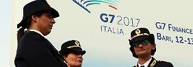 Politprominenz tagt in Bari: G7-Finanzminister appellieren an USA