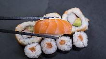 Fadenwurm in rohem Fisch: Ärzte warnen vor Parasiten im Sushi