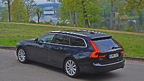 Mit einer Länge von 4,94 Meter wirkt der Volvo V90 nicht nur lang, er ist es auch.