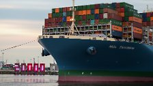 """Riesenfrachter """"MOL Triumph"""": Containerriese erreicht Deutschland"""