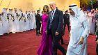 Der mit dem Säbel tanzt: Trump lächelt sich durch den Nahen Osten