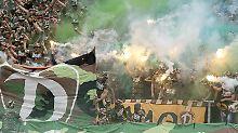 Nach den Krawallen von Karlsruher bestraft Dynamo Dresden seine Fans - unter anderem mit Aufpreisen für Tickets.