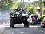 Präsident bittet Putin um Waffen: Duterte verhängt Kriegsrecht