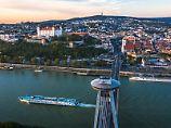 Flusskreuzfahrt auf der Donau: Notfalls kann man an Land schwimmen