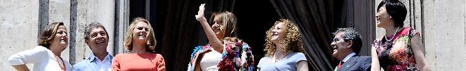 Der Tag: 16:48 Melania Trumps Jacke kostet 51.500 Dollar