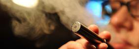 Zum Weltnichtrauchertag: E-Zigarette zwischen Ausstiegshilfe und Einstiegsdroge