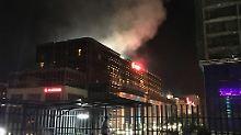 """Polizei spricht von """"Verrücktem"""": Dutzende Tote bei Angriff auf Hotel in Manila"""
