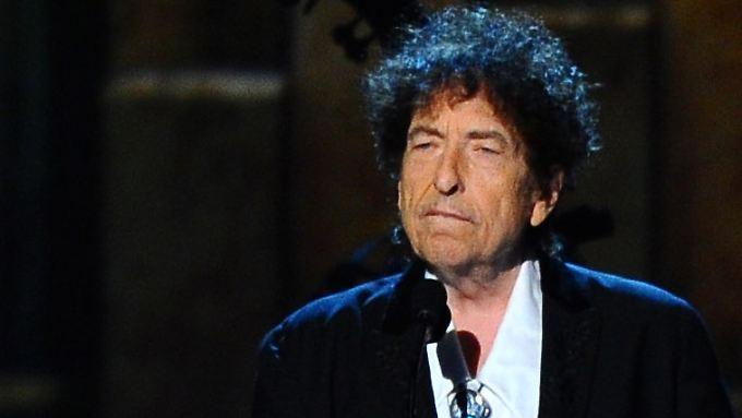 Monate nach der Verleihung des Literaturnobelpreises ist Dylan seinen Verpflichtungen nachgekommen.