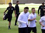 Joachim Löw bittet zum Test für den Test für die WM - und so ist der Nationalmannschafts-Kader ziemlich zusammengewürfelt.