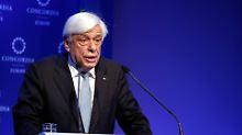 EU-Kommissar hilft mit: Griechen wollen Schäuble erweichen