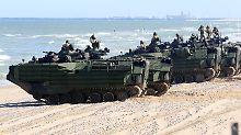 US-Marinetransporter üben im Rahmen eines momentan laufenden Nato-Manövers in Lettland.