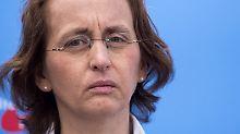 Verurteilte bevorzugt Gefängnis: 150 Euro Strafe für Tortenwurf auf von Storch