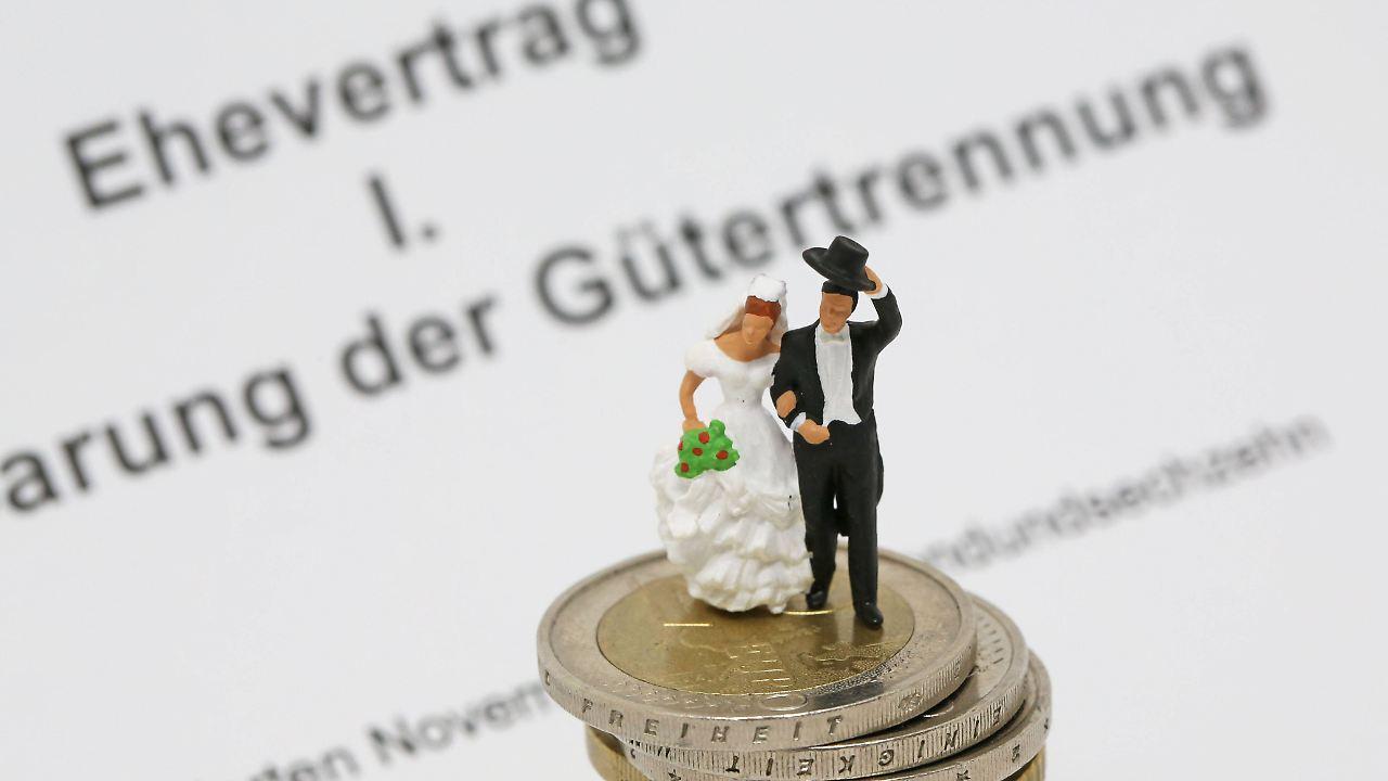 Streit ums Erbe: Wann ist ein Ehevertrag nötig? - n-tv.de