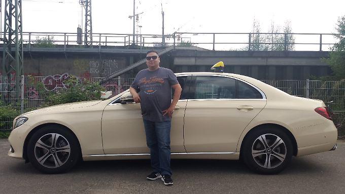 Ist stolz auf sein eigenes Taxi: Selçuk.