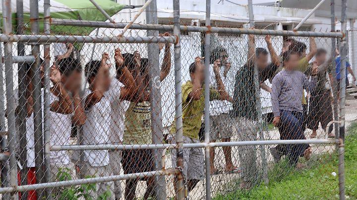 Menschenrechtler prangern immer wieder die Bedingungen in den Flüchtlingscamps der australischen Regierung an.