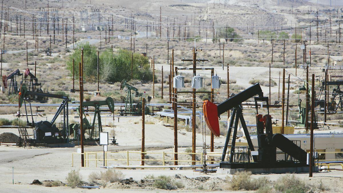Ölpreis (Brent): Hier finden Sie den aktuellen Ölkurs in Euro, Dollar und schweizer Franken sowie alle Nachrichten, Charts und historische Kurse zu Öl.