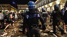 Chaos nach dem Public Viewing zum Champions-League-Finale in Turin: Tausende werden verletzt. Eine Frau starb jetzt im Krankenhaus.