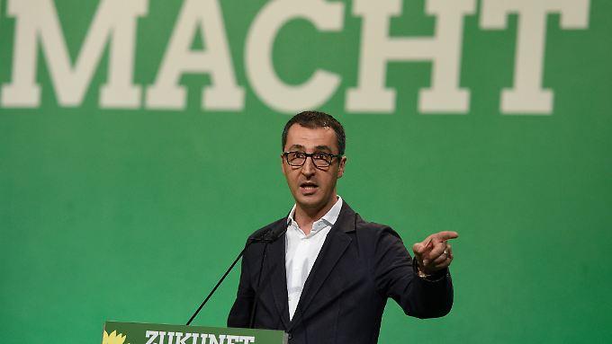 Parteichef Özdemir muss einem Koalitionspartner nun ein Ja zur Homo-Ehe abringen.