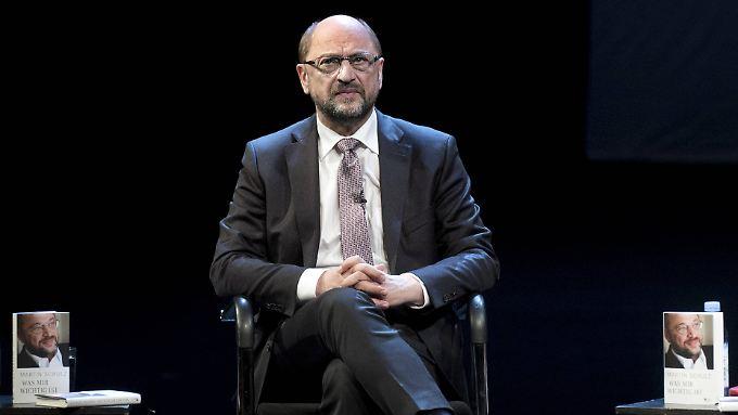 """Ernste Miene: Martin Schulz stellte sein Buch """"Was mir wichtig ist"""" vor."""