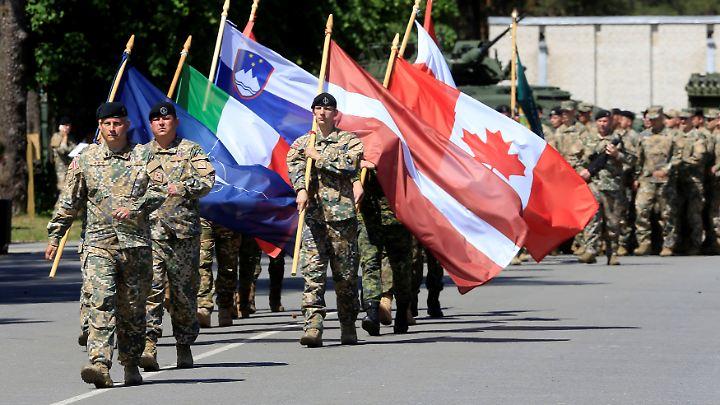 In Lettland sind unter anderem 450 kanadische Soldaten stationiert. Sie führen den Truppenverband an.